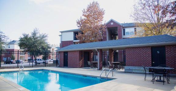 Hallmark at Garden Parkway pool deck