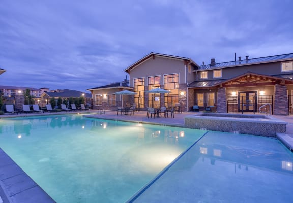 Luxury Apartment Homes Available at Retreat at the Flatirons, Broomfield, CO