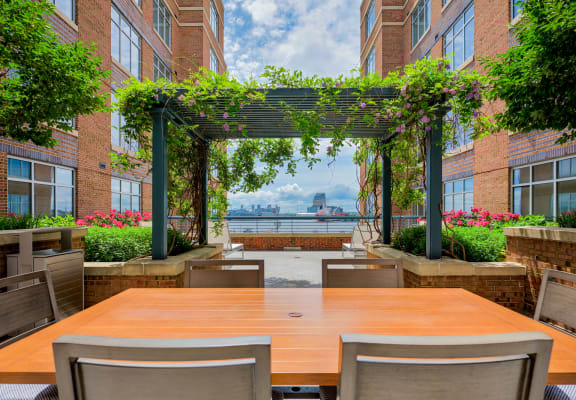 Outdoor lounge space with seating at The Crescent at Fells Point, MD, 21231
