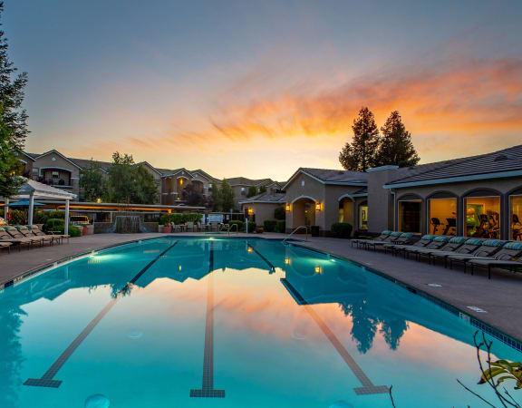 Mountain Shadow Apartments resort-style pool
