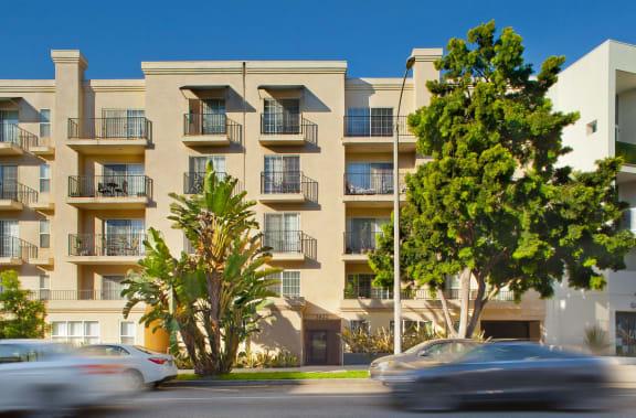 Santa-Monica-Affordable-Apartments-1422-7th-Exterior (1)
