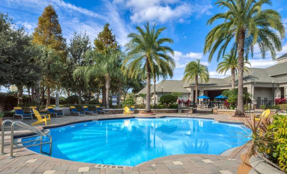 Grandewood Pointe orlando florida apartments swimming pool and pool deck
