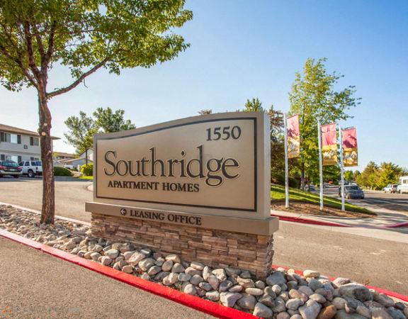 Reno Apartments - Southridge Apartments Entrance Monument Sign