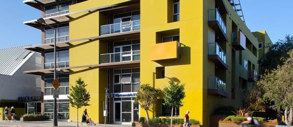 Luxury-Apartments-Santa-Monica-1539-4th-Facade