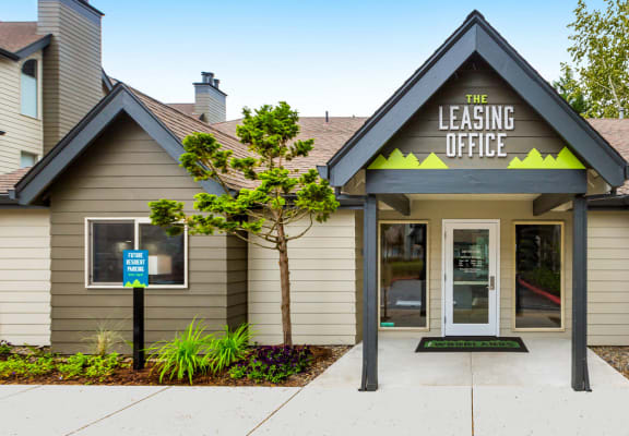 Leasing Office at The Woodlands, Vancouver, Washington