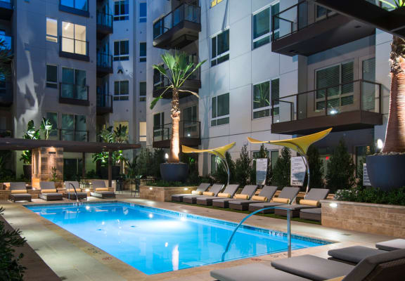 Abundant Indoor and Outdoor Amenity Spaces at 1000 Grand by Windsor, California, 90015