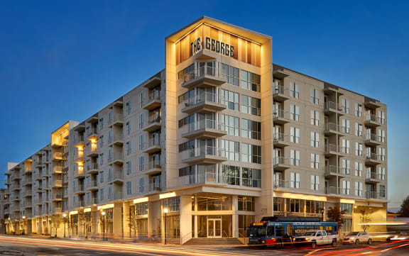 Apartment Homes Available at The George & The Leonard, Atlanta