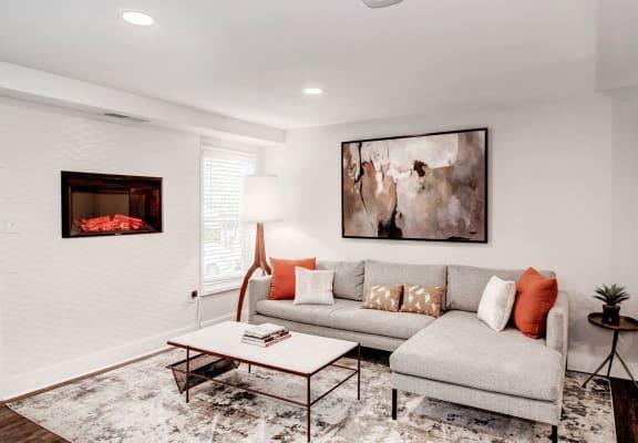 The Hamilton|Livingroom
