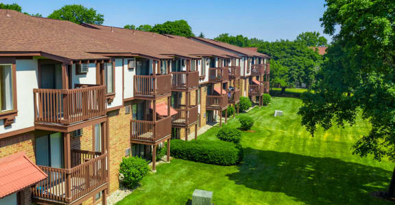 Beautifully Landscaped Community  at Hickory Village Apartments, Indiana, 46545