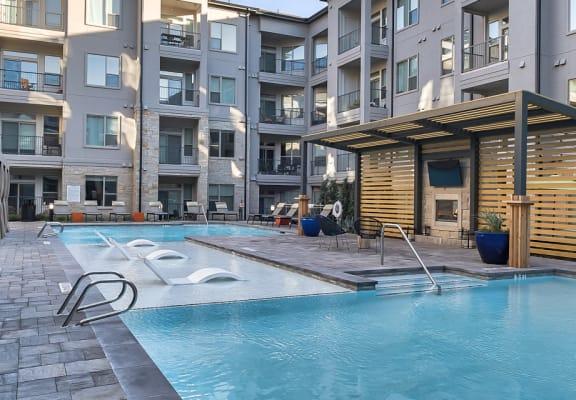 Pool in courtyard at Windsor Burnet, Austin, TX