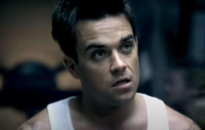 "Robbie Williams ""Rock DJ"" (2000)"