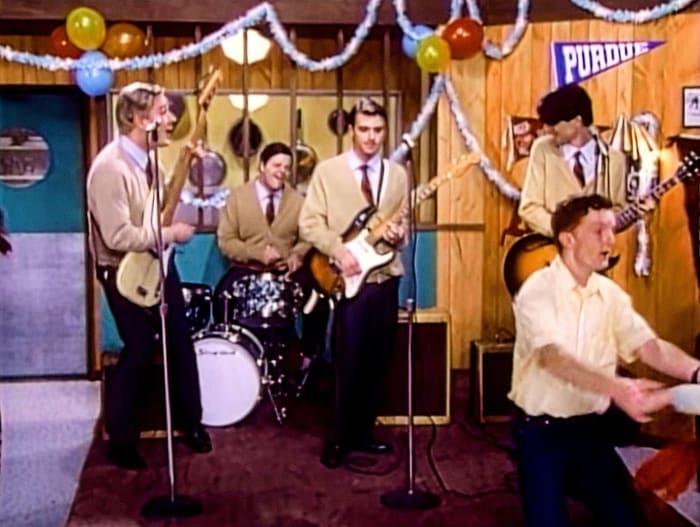 """Weezer """"Buddy Holly"""" (1994)"""