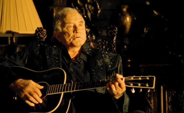 "Johnny Cash ""Hurt"" (2003)"
