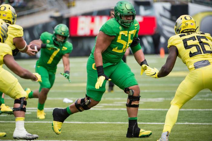 Oregon OT Penei Sewell | Comp: Willie Roaf