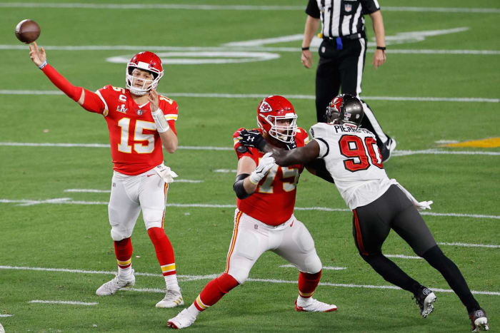 Kansas City Chiefs: Re-signed OT Mike Remmers