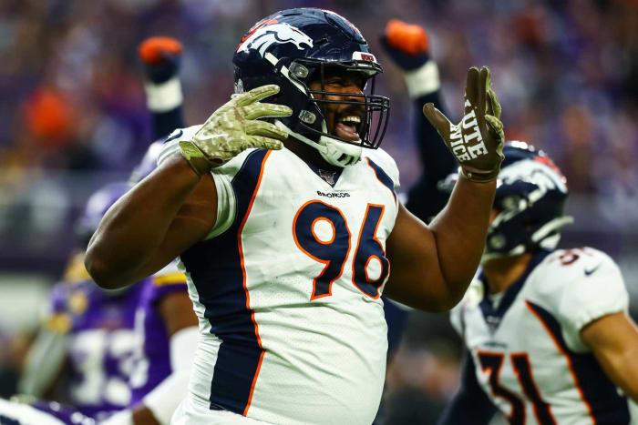 Denver Broncos: Re-signed DT Shelby Harris