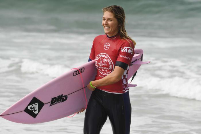 Women's Surfing: Carissa Moore (USA) vs. Stephanie Gilmore (Australia)