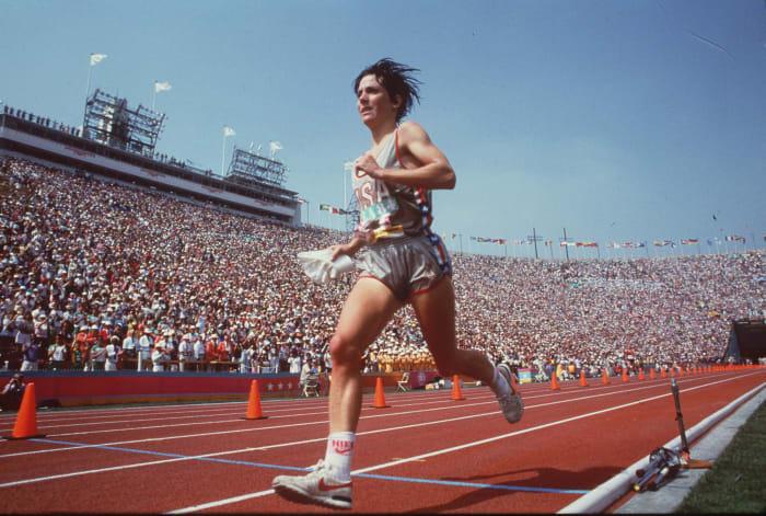 Benoit battles way to gold (1984)
