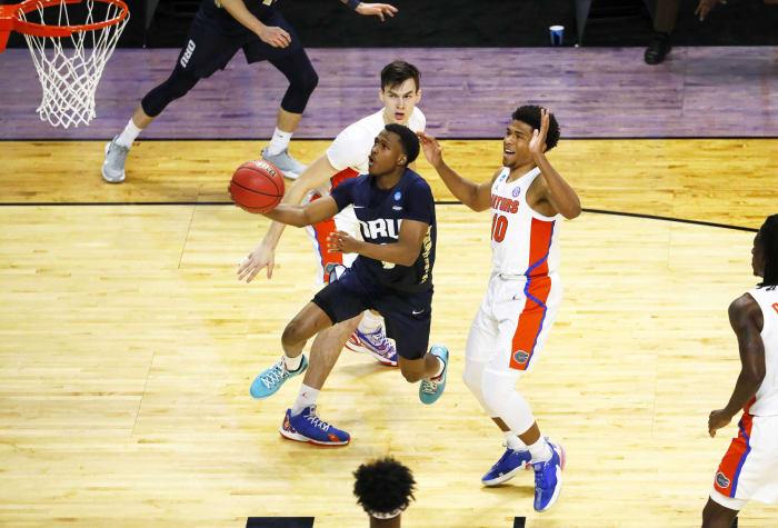 LA Clippers: Max Abmas, Oral Roberts