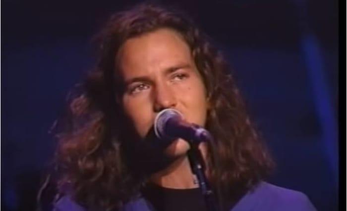 """Masters of war,"" Eddie Vedder, with Mike McCready (1992)"