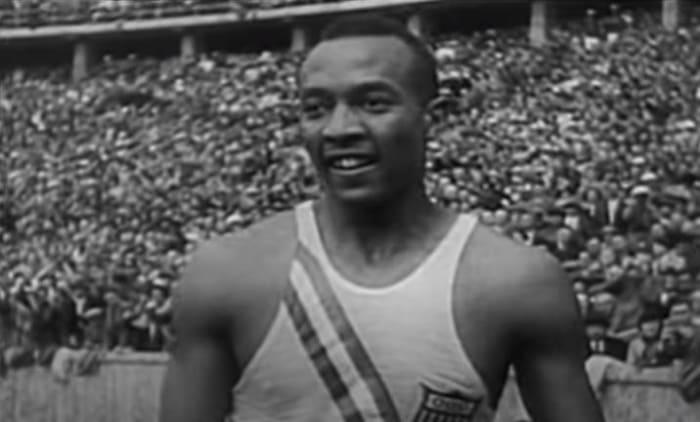 Owens shows up Hitler (1936)