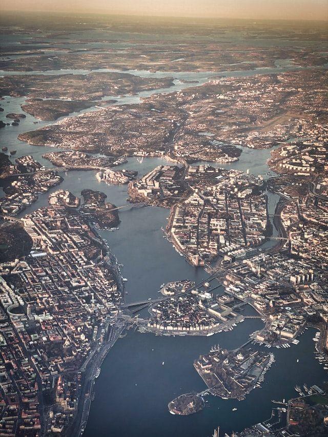 Att hitta en barnvakt i Stockholm behöver inte vara svårt