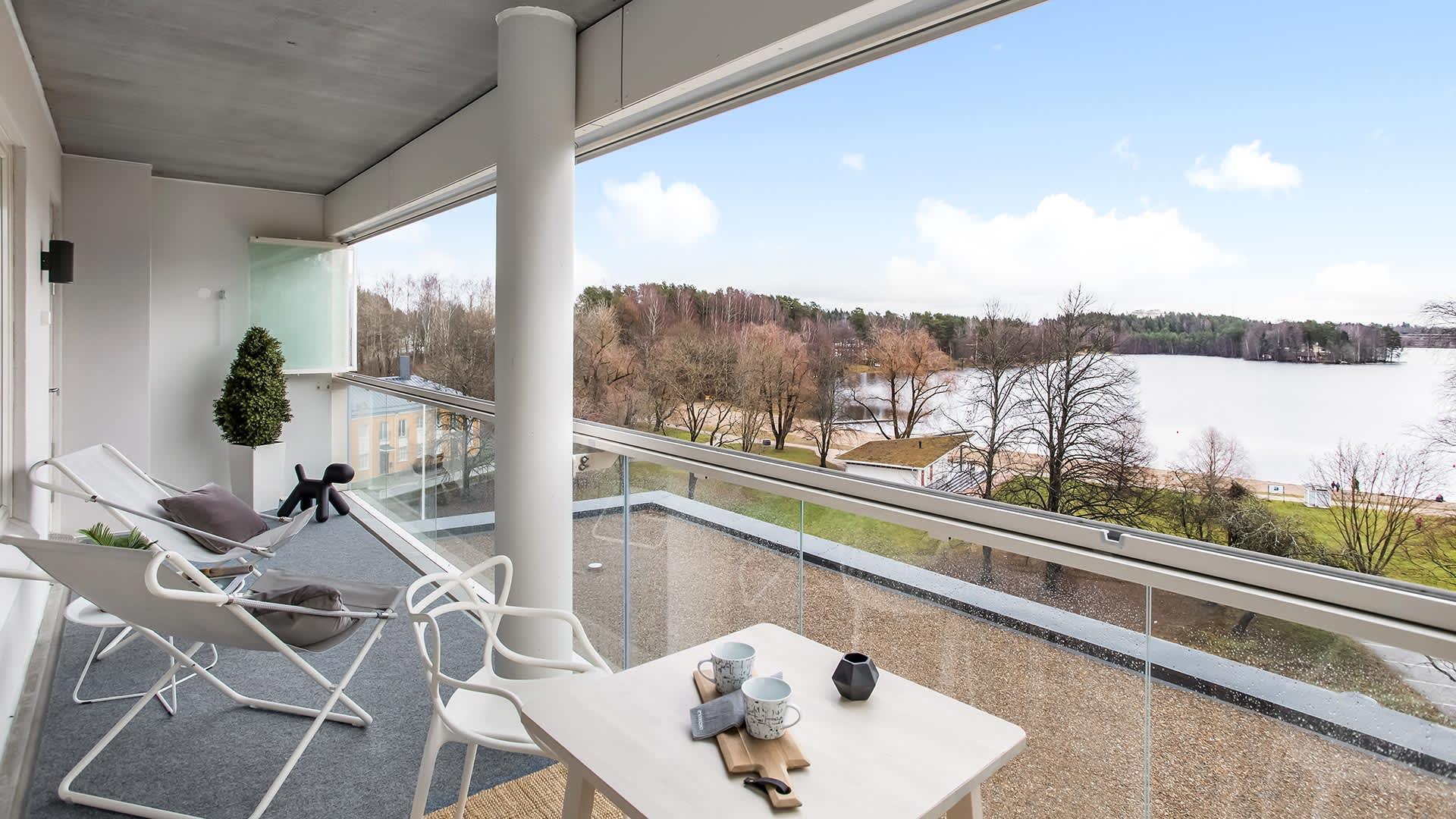 Asunto Oy Lahden Rantakukka - näkymä parvekkeelta