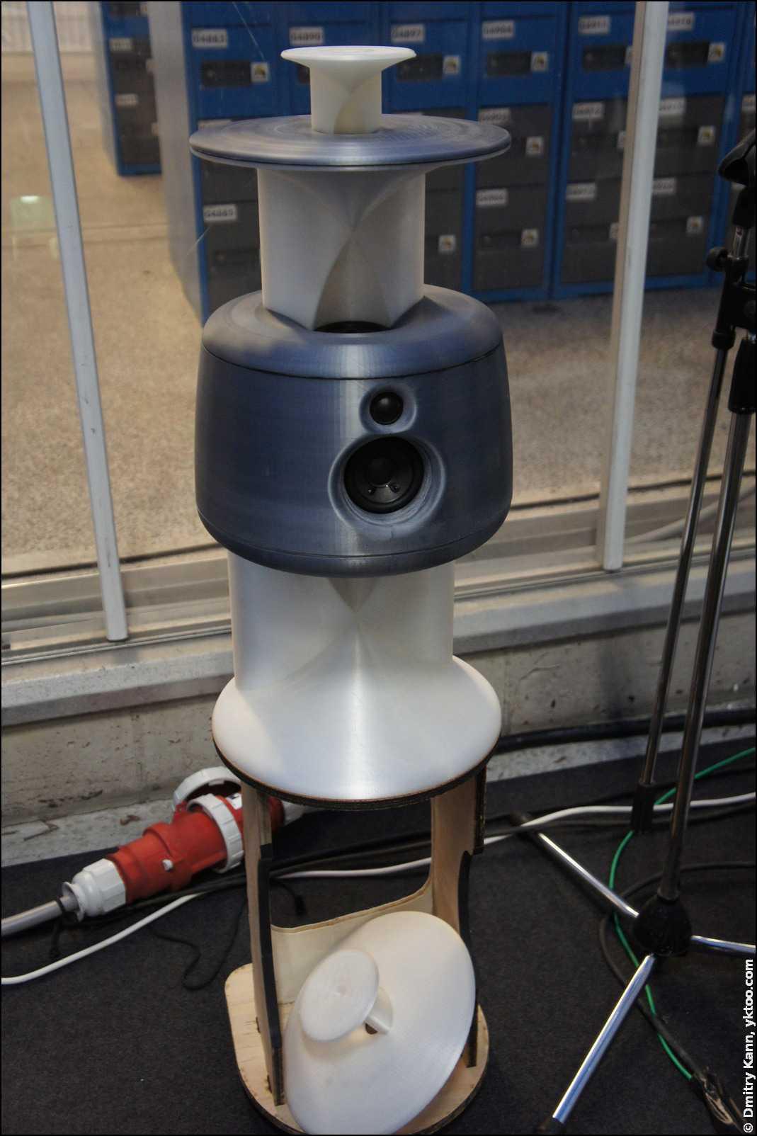 Напечатанная на 3D-принтере акустическая система.