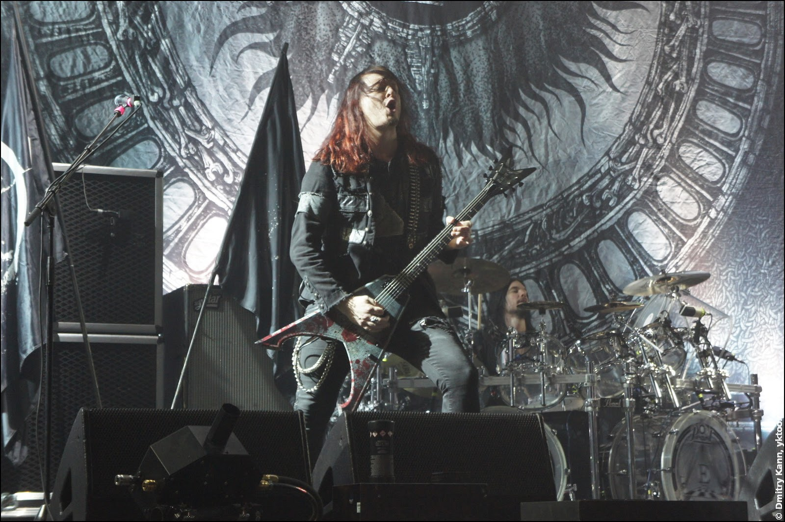 Arch Enemy: Michael Amott, drummer Daniel Erlandsson at the back.