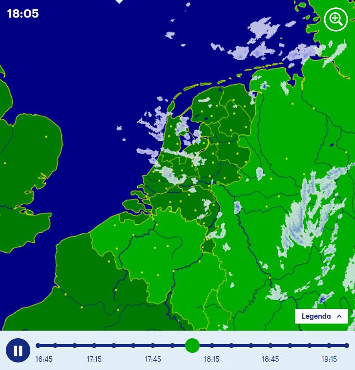 Карта осадков и трёхчасовой прогноз на buienradar.nl.
