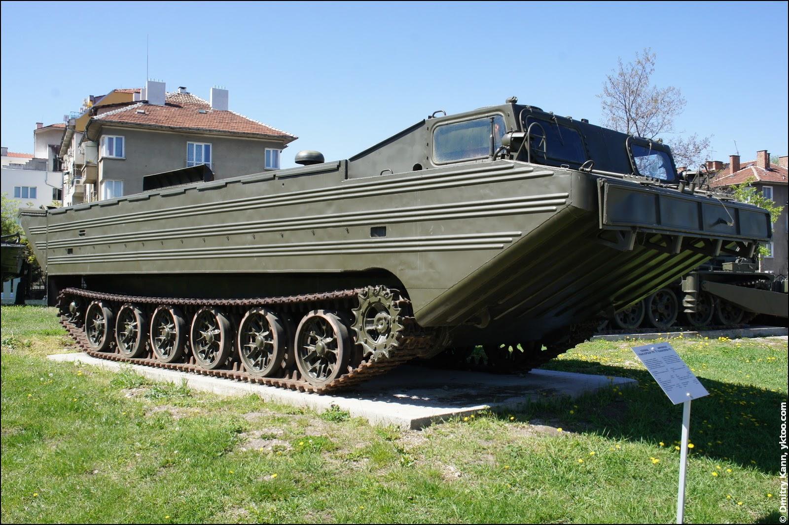 Amphibious transporter PTS.