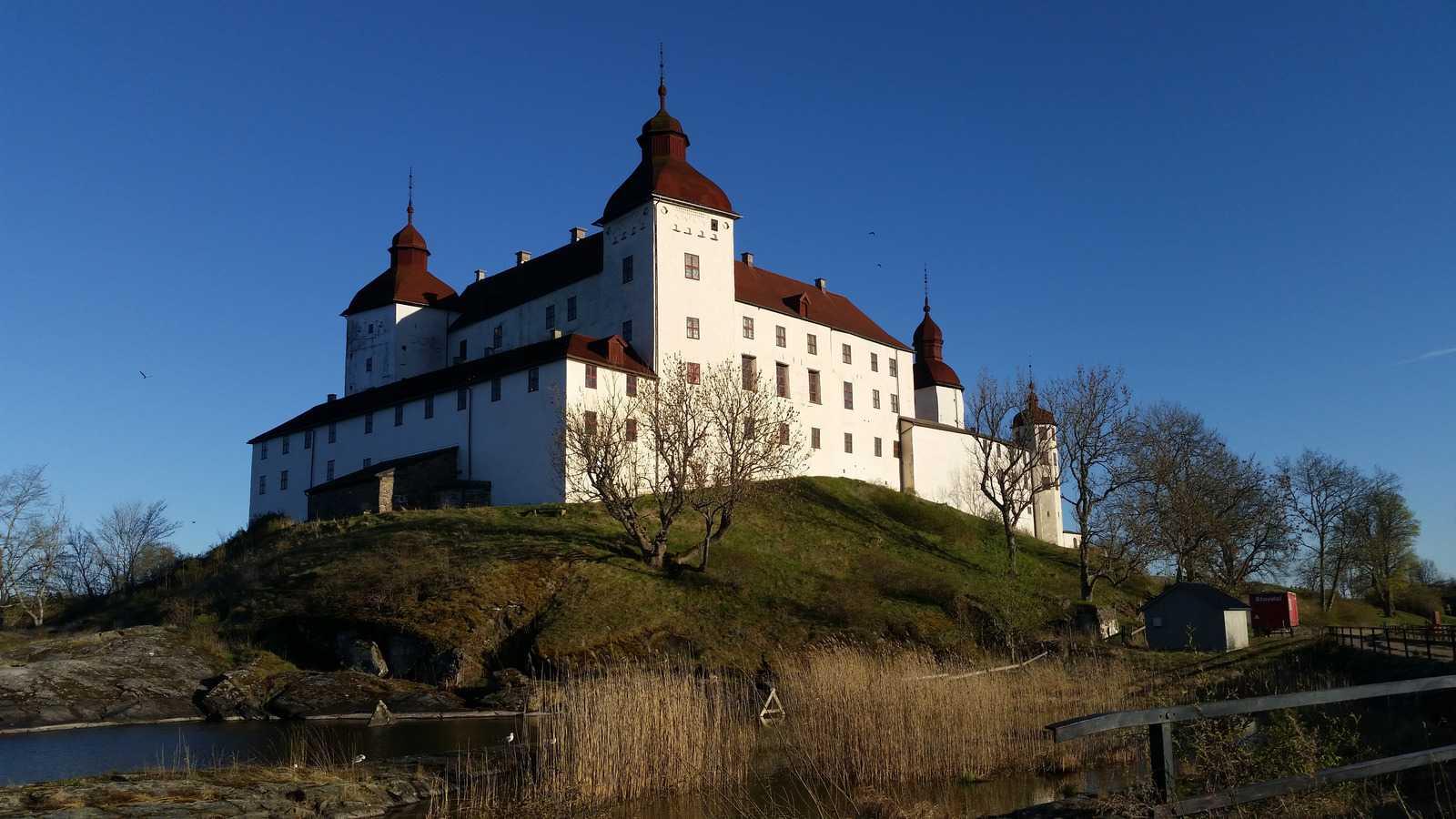 Läckö Castle, Sweden. Photo by godafisken/Pixabay.
