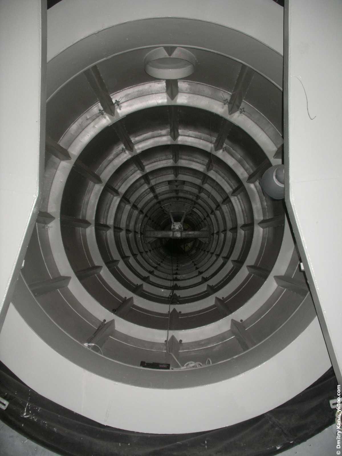 Внутри «Атомиума».