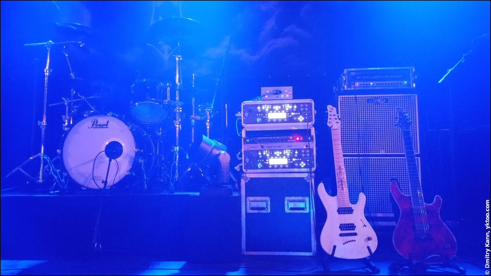 Before Oddland's performance: seven string guitars of Sakari Ojanen.