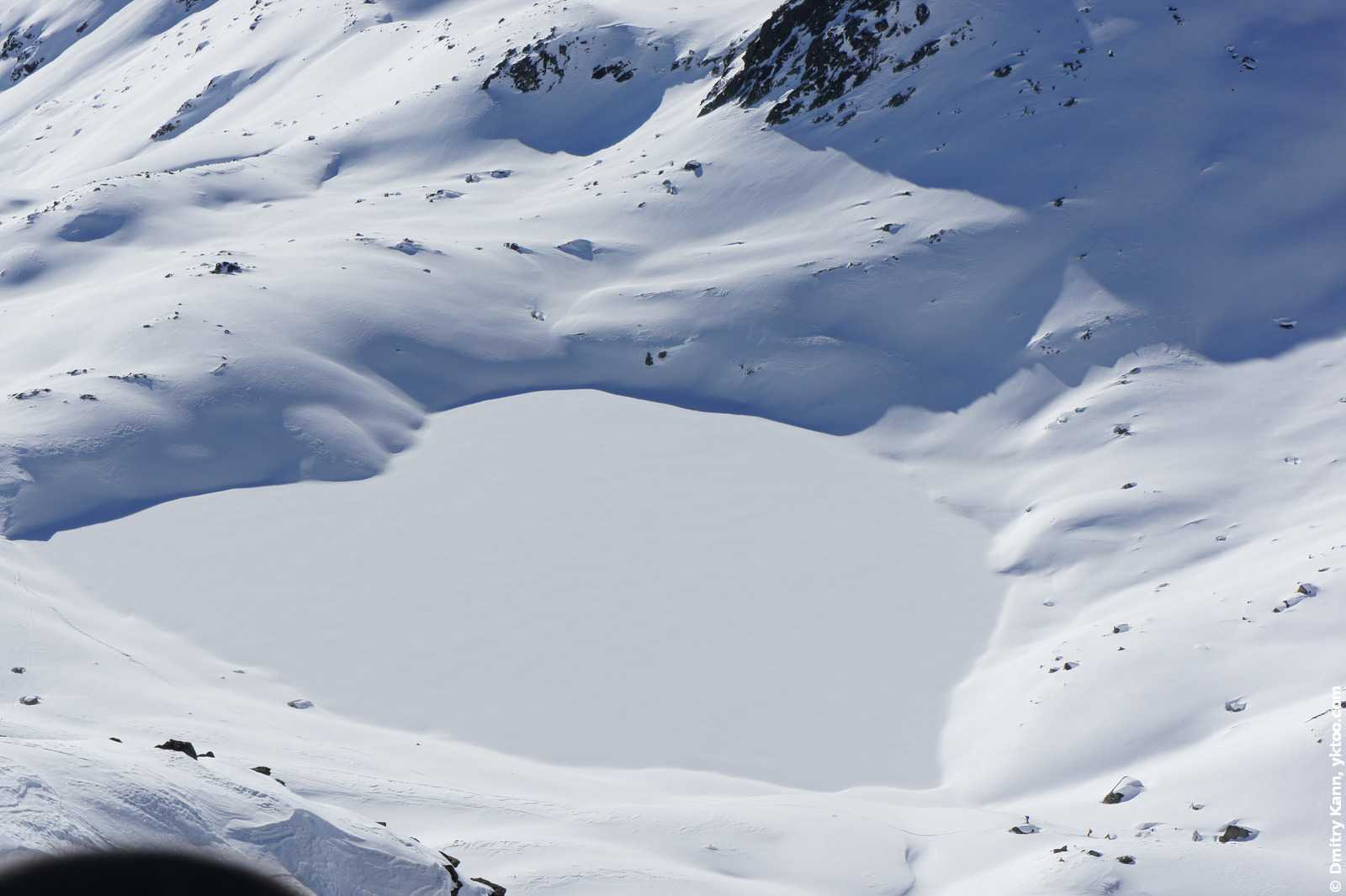 Снежное озеро.