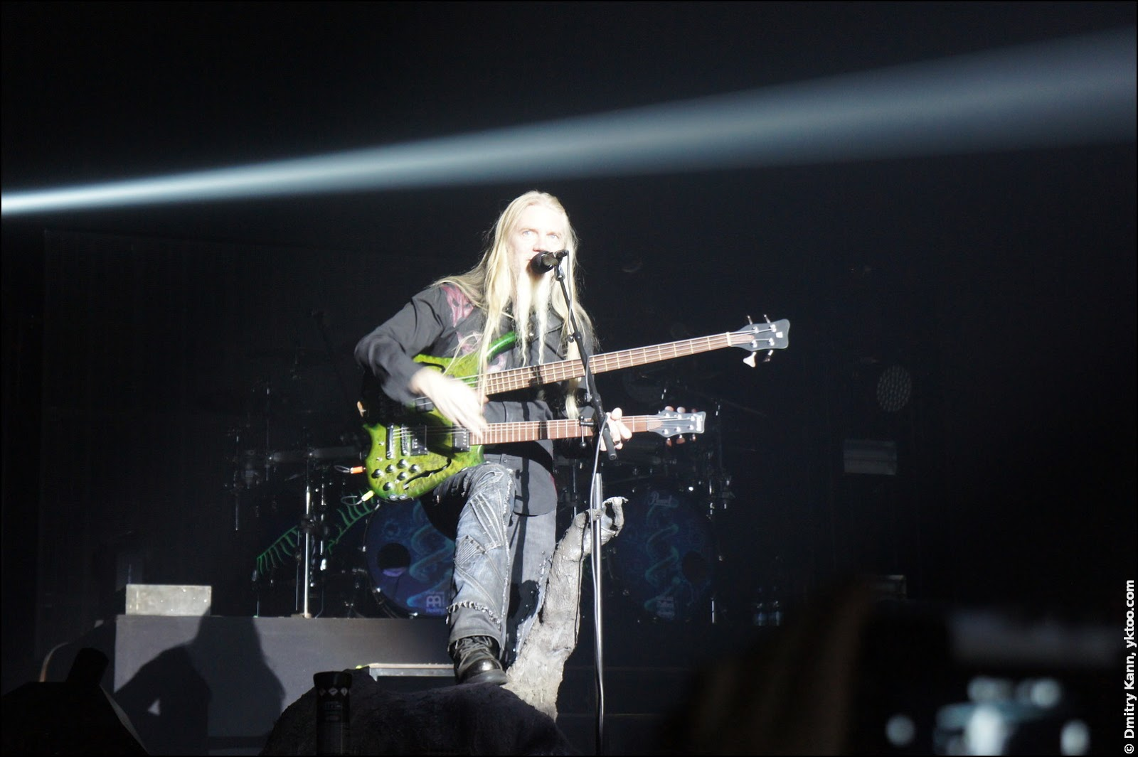 Nightwish: Marco Hietala and his doubleneck.