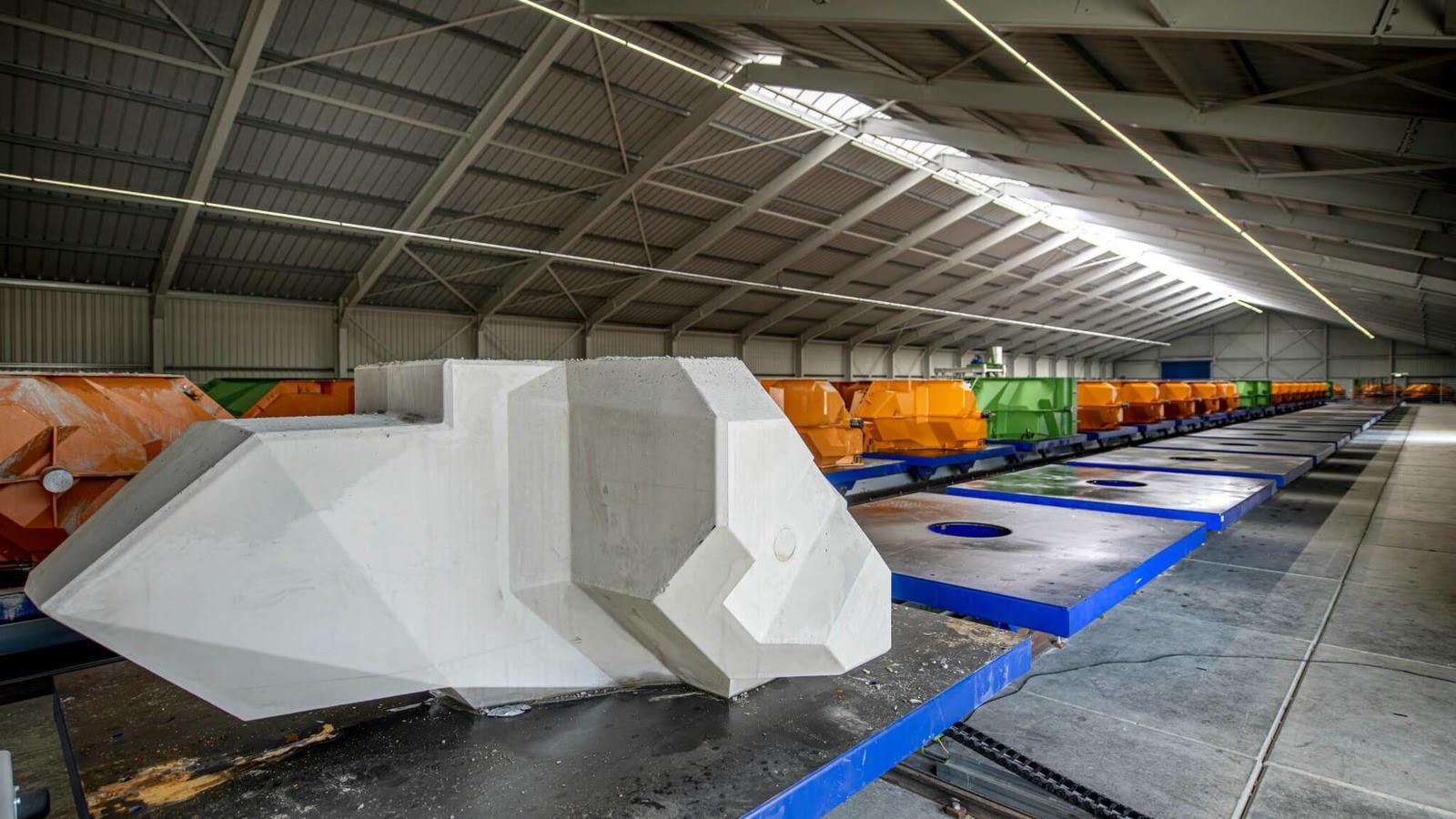Элемент волнореза и формы для их изготовления. Фото Rijkswaterstaat.