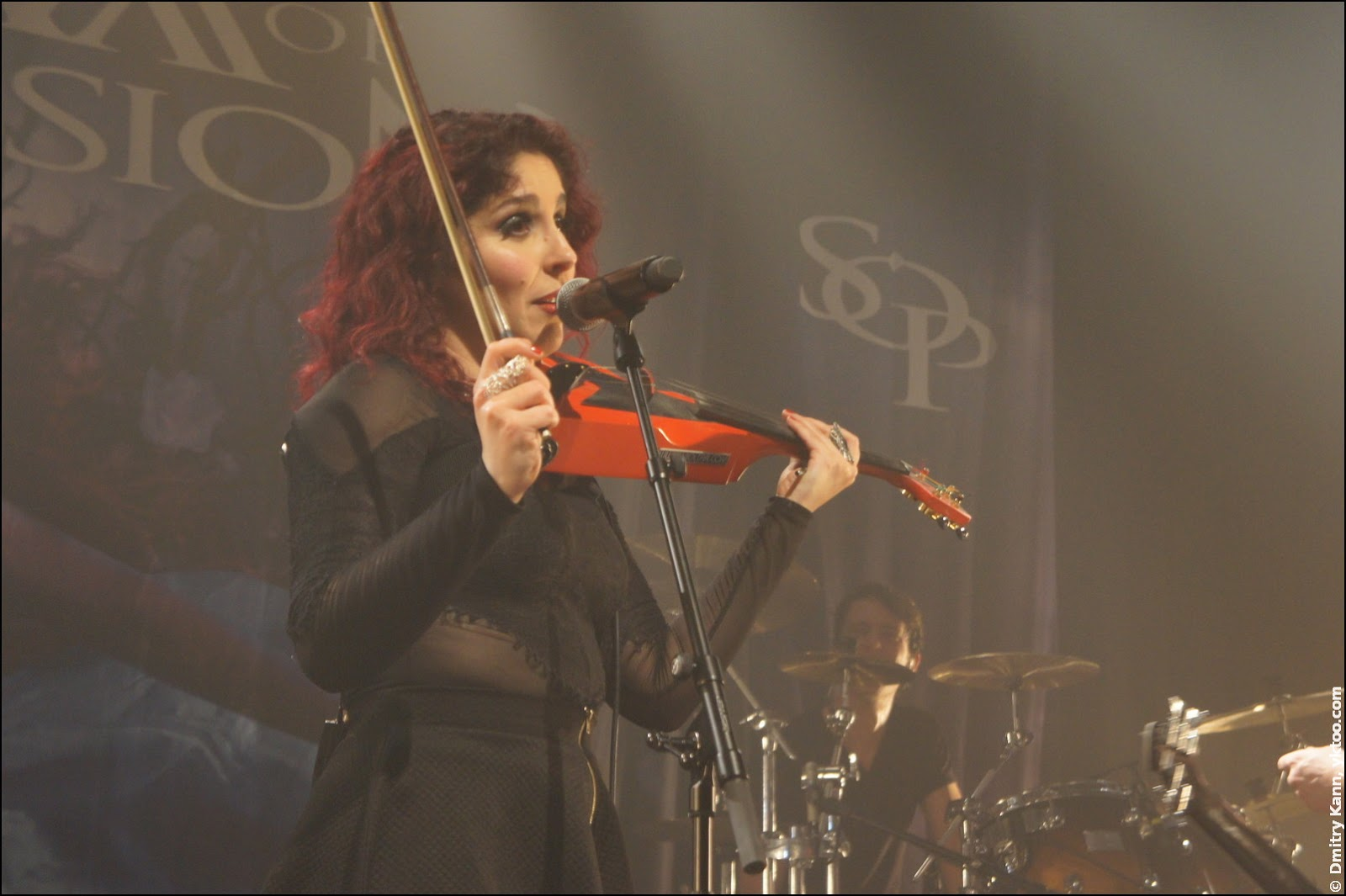 Marcela Bovio with her violin.