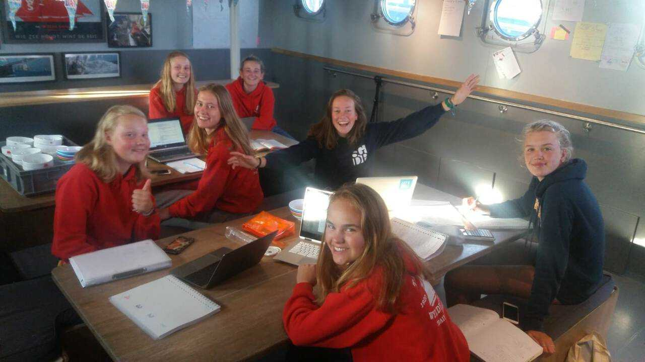 «Воины океана» за уроками. Фото: Masterskip.