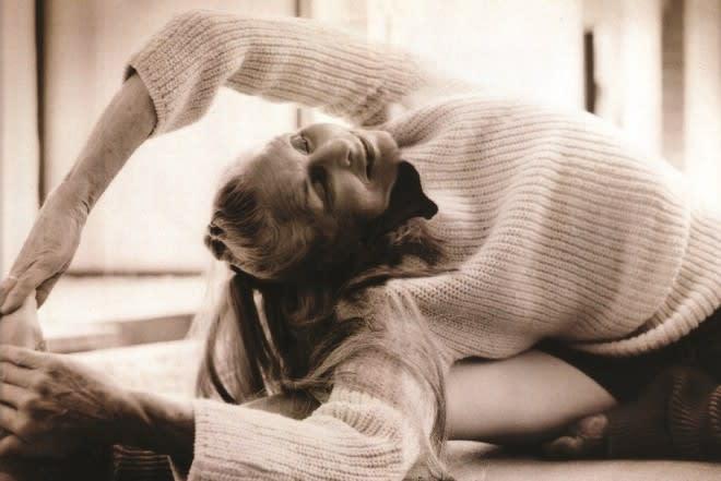daphne selfe yoga