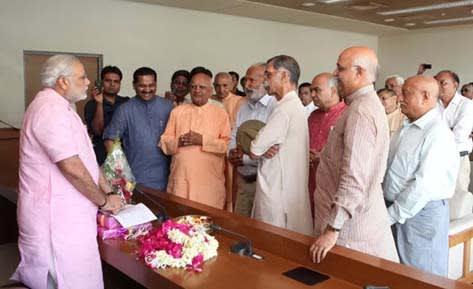 Narendra Modi with Yoga Experts