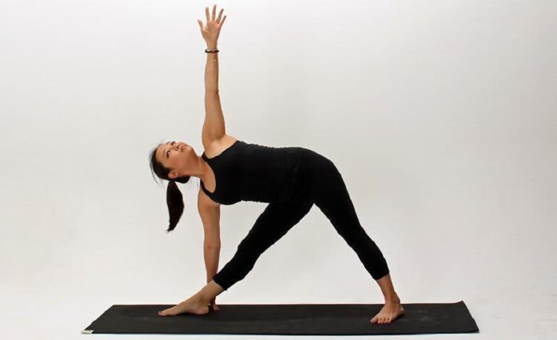 triangle pose trikonasana