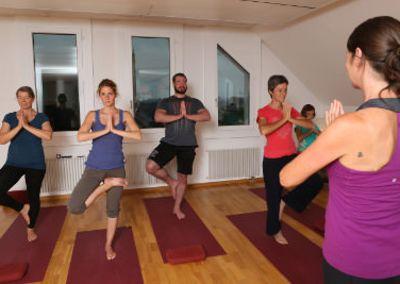 Yoga-Kurs mit Iris Stadelmann – 20. November bis 18. Dezember 2014