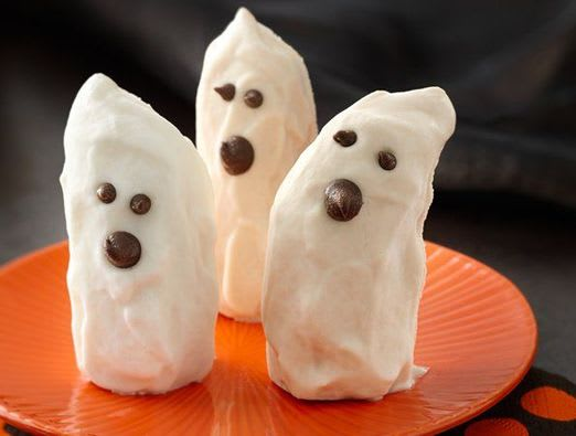Ghostly Yogurt Dipped Bananas