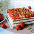 Strawberry, Cream & Pistacchio Cake (H)