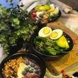 Brekky bowls & salads