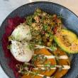 Avocado & chickpea buddha bowl