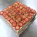 Strawberry, Cream & Pistacchio Cake