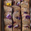 Assorted fruit bread platter (20 pcs)