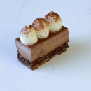 Mini Dark chocolate & hazelnut crunch mousse cake (15 pcs)
